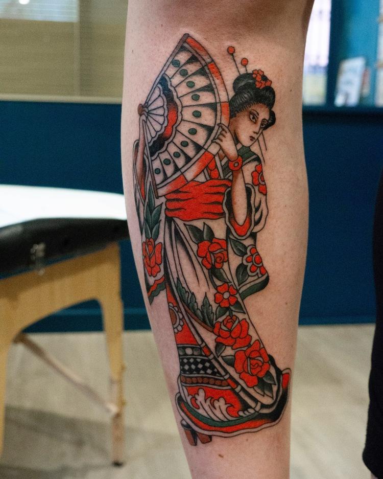 geisha tattoo - Traditional tattoo - vintage tattoo - classic tattoo - tatuaggio old school - Bowery Classic Tattoo Legnano
